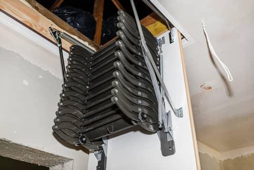 スライド収納式のはしご