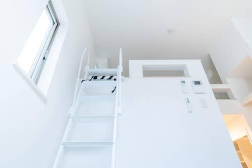 タラップ式のはしご