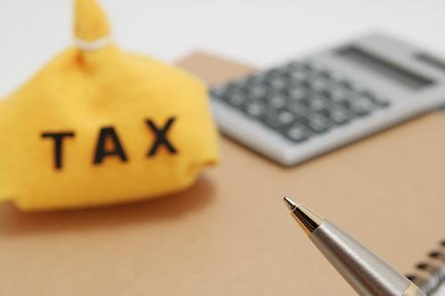 一戸建て・マンションの固定資産税はいくらかかる?相場や計算方法を解説